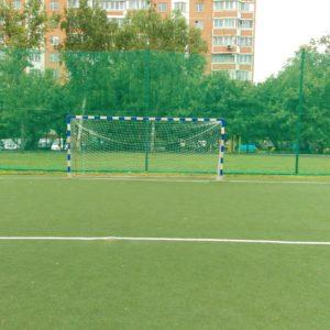 Стадионы и футбольные поля